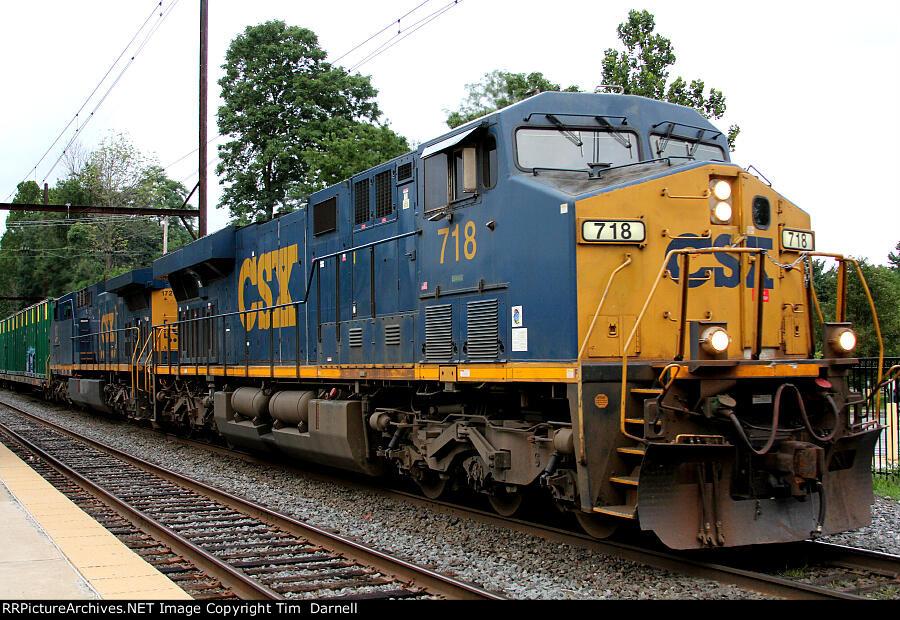 CSX 718 leads Q409